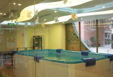 童博士婴儿游泳馆